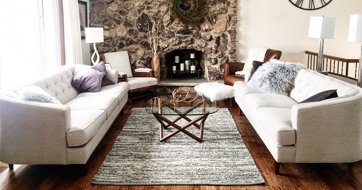 4 Easy Tips To Make Your Living Room Ready For Entertaining